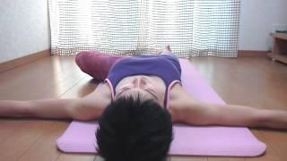 骨盤のゆがみ開きを整える方法  ヨガポーズ asana thumbnail
