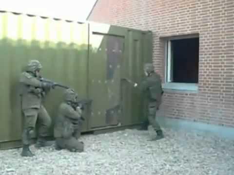 Прикол  Литовский спецназ работает