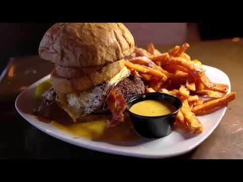 Places To Eat In Daytona Beach, FL // Grind Gastropub