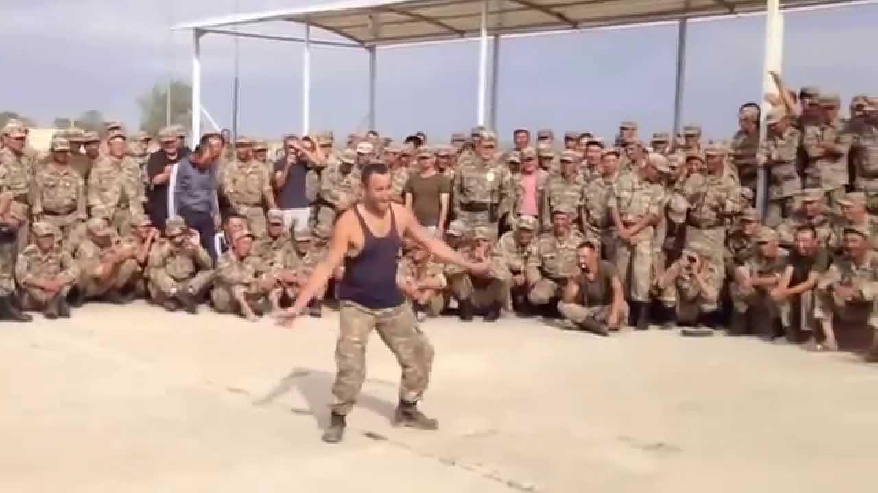 Прикол танцор диско в армии
