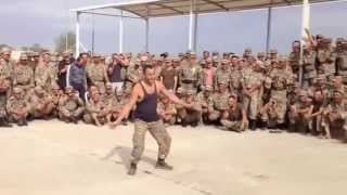 �������� ���� Прикол танцор диско в армии ������