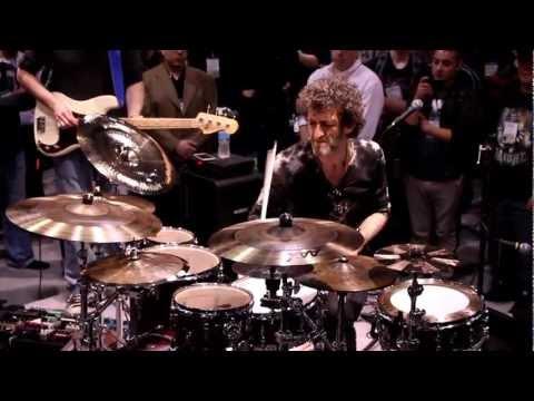 Jojo Mayer Performance - NAMM 2013 (DRUMEO)