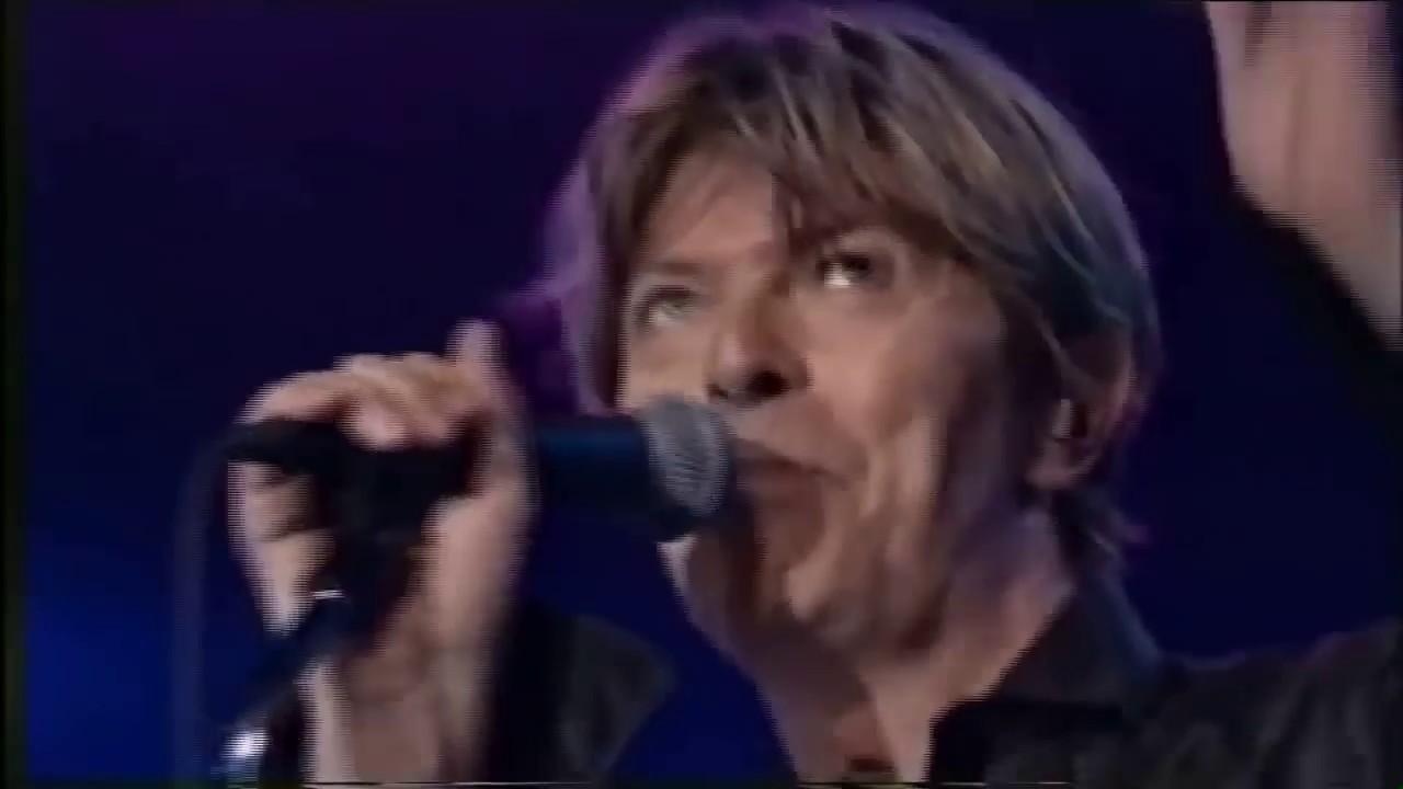 "Montreux Jazz Festival >> David Bowie ""- Low -"" 2002 [HD 720p] - YouTube"