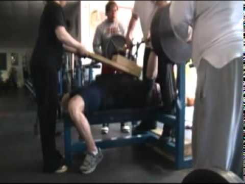 Scott Rowe Bench Training at Hercules Gym
