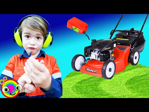 Lawn Mower Videos For Children With BLiPPi Dressed Toddler Min Min Playtime