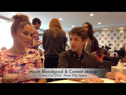 SDCC 2015 Falling Skies: Moon Bloodgood & Connor Jessup