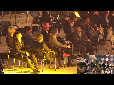 BTS Reaction to MOMOLAND (모모랜드 무대보는 방탄소년단) 4K 직캠 by 비몽