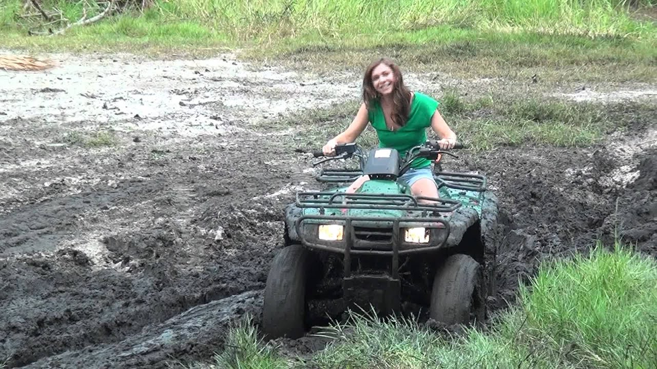 She Gets My Honda Rancher 4x4 Stuck In The Mud Youtube
