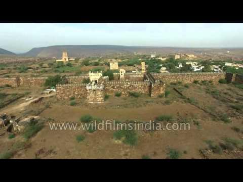 Majestic aerials of the Gandikota Fort in Andhra Pradesh : 4K
