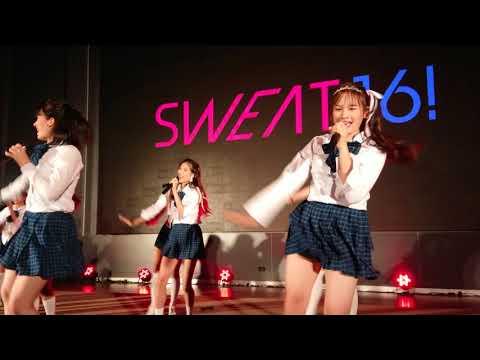 """SWEAT16! -""""มุ้งมิ้ง"""" (Love Attention) @ COSCOM 2017"""