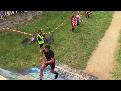 Más de 2.000 deportistas participan en la Gladiator Race
