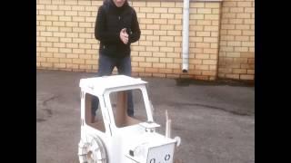 Картонный трактор