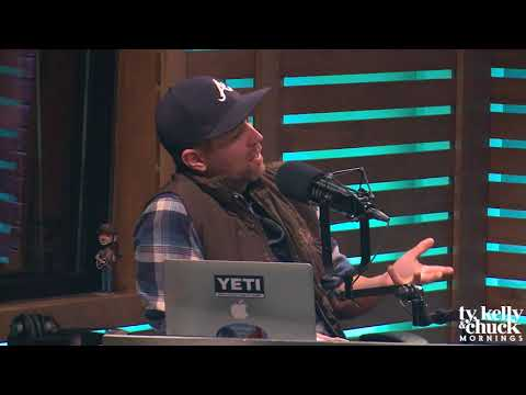 Josh Turner Dishes on Being Romantic with His Wife
