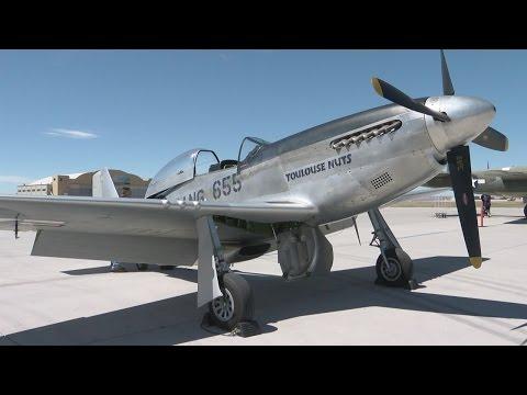 Vintage bombers exhibit lands in Albuquerque