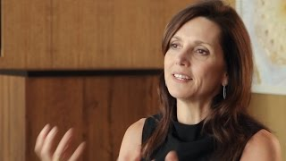 Personal Connection in Corporate Storytelling: Beth Comstock (Future of StoryTelling 2014)
