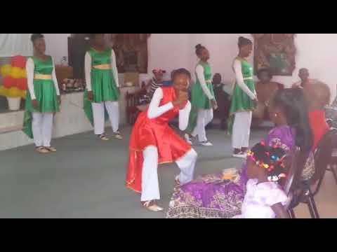 Exuberant praise dancers - samuel medas love letters from heaven