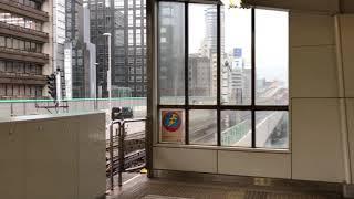 大阪メトロ御堂筋線、西中島南方駅の可動式ホーム柵設置完了後の運行の様子