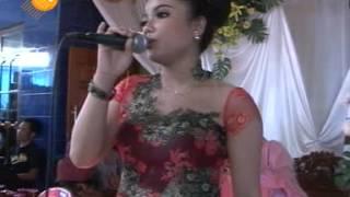 sayang ( wawes ) vivi valent - supra nada live ngrejeng jambeyan sambirejo