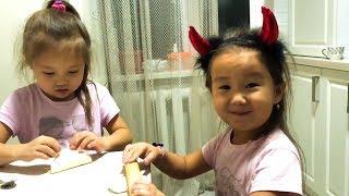 Адека Персик 🍑 готовит МАНТЫ с сестричками ❤️ Канал Адеки