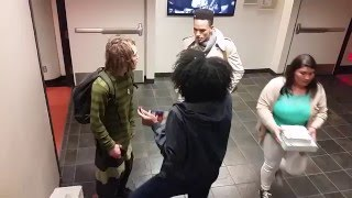 فيديو  «العنصرية» تُلقي بظلالها على جامعة سان فرانسيسكو بسبب «قصة شعر»