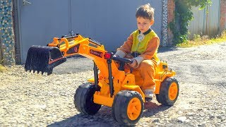 Kid and Mom ride on Tractor JCB Excavator and Playing with toys