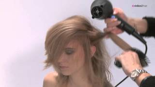 Haarschnitt weich gestuft für langes Haar - POWDERlayered - FULL - by video2hair.com
