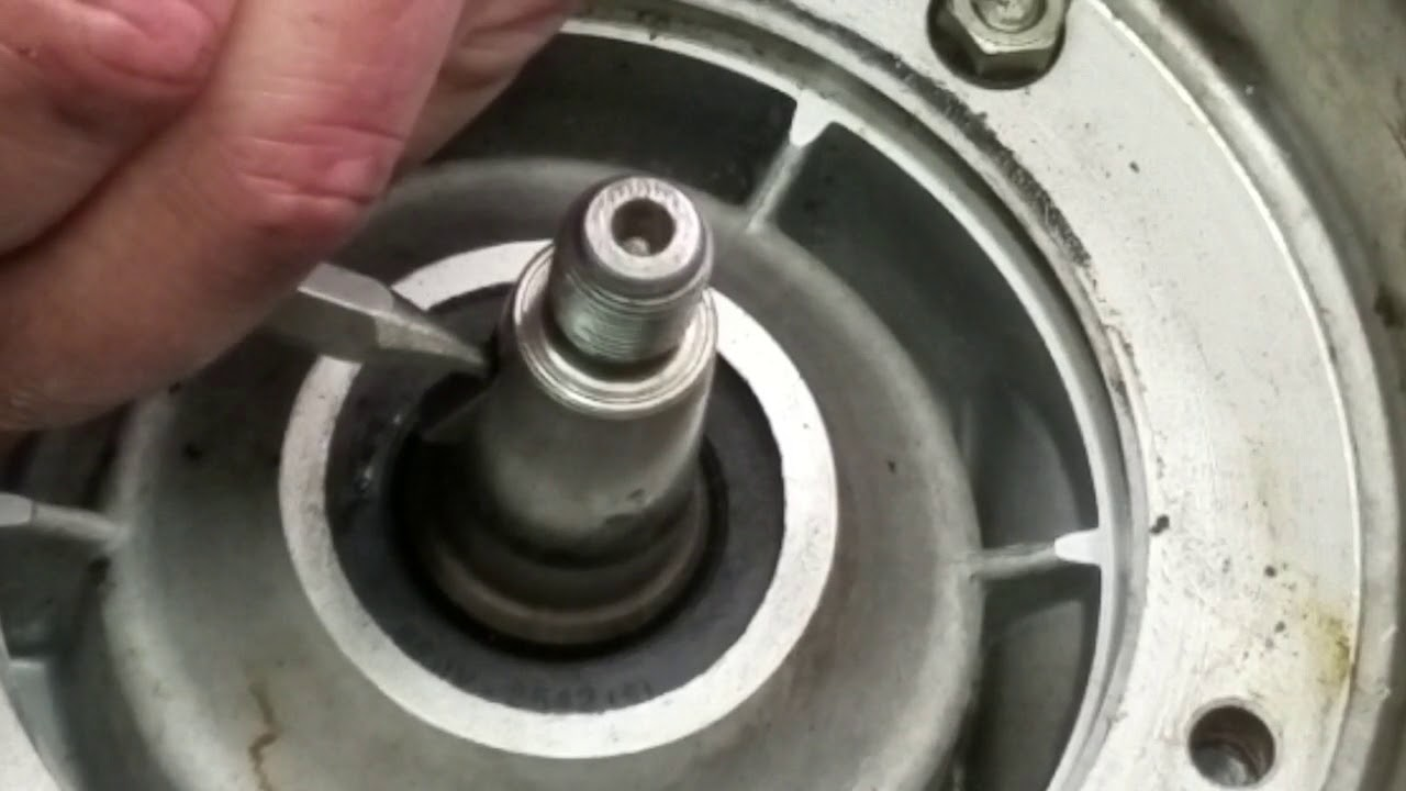 picture How to Remove a Woodruff Key