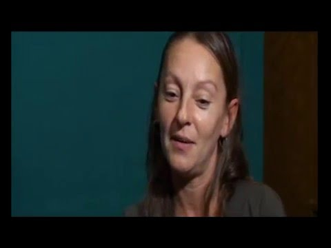 Nuria Mediavilla dobla a Jennifer Cooke y a Jenny Beck en V