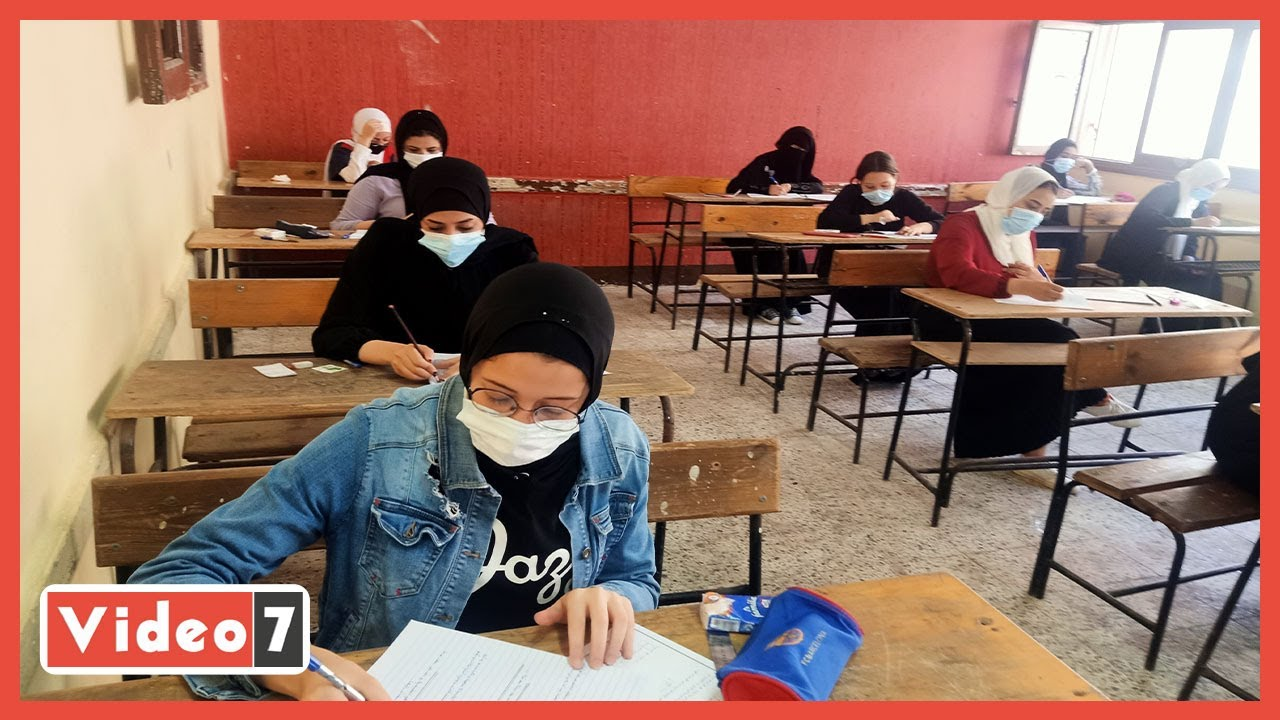 طلاب الدبلومات الفنية يؤدون امتحان العربى.. ويؤكدون سهولة الأسئلة  - 10:55-2021 / 6 / 19