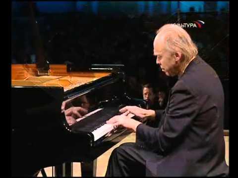 Valery Afanassiev plays Chopin Mazurka op. 67 no. 4 - video 2006