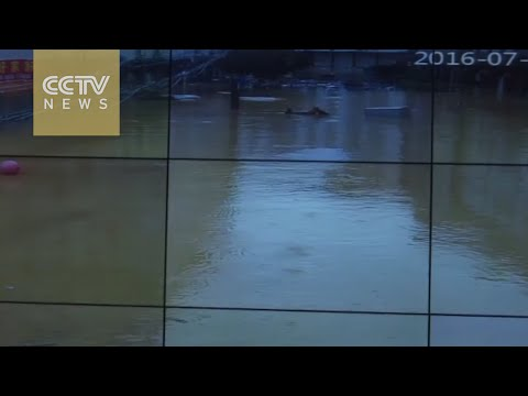 China floods: Time-lapse video shows floodwaters submerge Fujian county