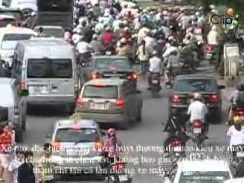 Giao thông Hà Nội như chốn vô luật pháp.mp4