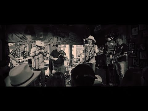 I Know Too Many Women At This Bar (feat. Wade Landry) indir