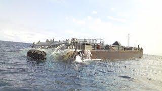 В Одессе на берег выкинуло баржу с контрабандой. Крушение баржи. Шторм. Черное море. 121 причал.