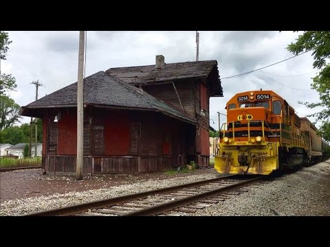 Inside Dilapidated Train Station, Indiana & Ohio Railway, Genesee & Wyoming Midland Sub!