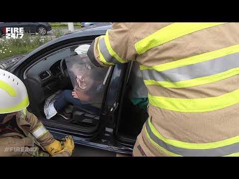 ONGEVAL MET BEKNELLING - BRANDWEER - UITRUK - PRIO 1 - CAR CRASH - DUTCH FIREFIGHTERS