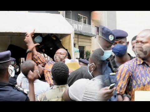 L' intégrale du film de l' arrestation de Guy Marius Sagna  devant la préfecture de dakar