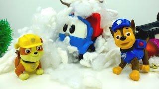 Leo Junior steckt im Schnee fest. Lehrreiche Videos.