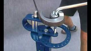 Repeat youtube video Univerzální ohýbačka model 0101010000  www.karas.cz.flv
