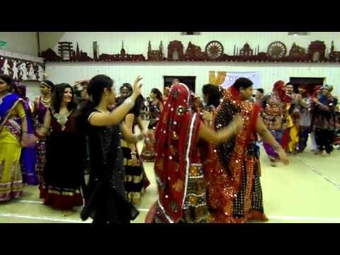 Mumbai thi gaadi aavi re , Dandiya Raas 2014