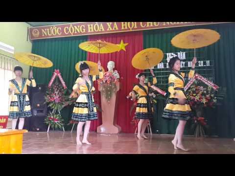 múa cô giáo về bản 12A Nguyễn Viết Xuân 2014