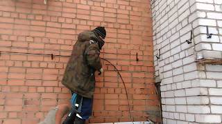 Провод СИП по-фасаду здания. Крепеж в стену.(, 2019-01-05T20:54:08.000Z)
