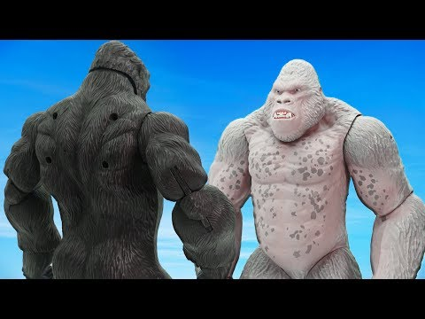 Power Rangers & Marvel Avengers Toys Pretend Play | King Kong Vs Gorilla