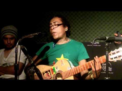 Chau El Esqueleto - Is this love (cover bob marley) @ Rock X Mexico Radio 30mar11