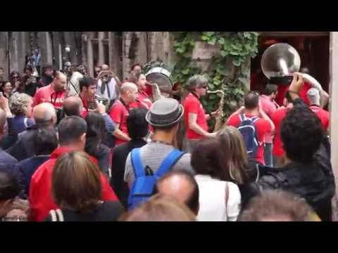 FUNK OFF - Marching Band − UMBRIA JAZZ ® 2016 − marching through Perugia