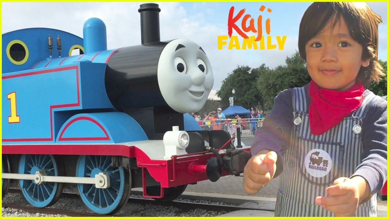 Thomas and Friends Trains In Real Life Theme Park for kids!!