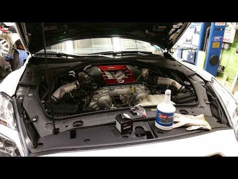 GTR Nismo Gets Red Line Oil - Titek Oil Drain Plug - Nismo Oil Filter - DIY Oil Change