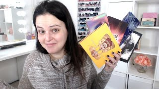 LIVE CHAT - Reviewing My Eyeshadow Palette Collection!