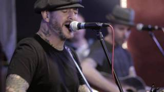 "Gambar cover Social Distortion ""Reach for the Sky"" Acoustic Live & Rare"