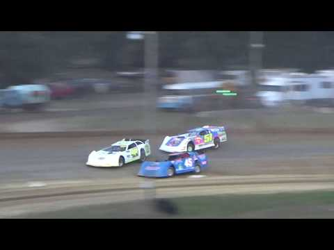 Late Model Heat Race #1 at Crystal Motor Speedway, Michigan, on 09-16-2017!